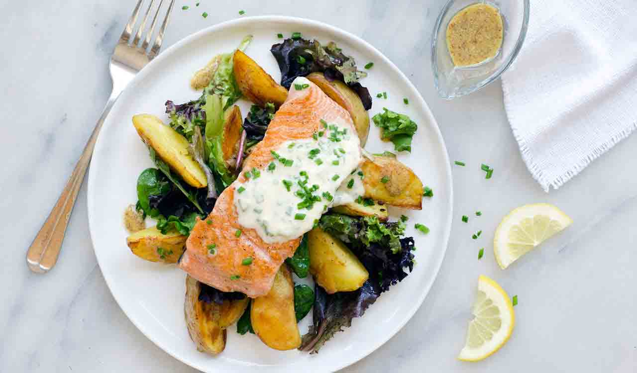 salmon-roasted-potatoes-field-greens-salad-chive-creme-fraiche